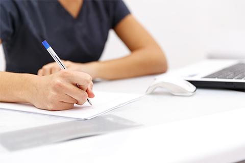 履歴書のウケがいいのは「手書き」と「パソコン」どっち?